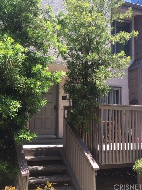 18316 Hatteras Street #15, Tarzana, CA 91356 (#SR18139881) :: Golden Palm Properties