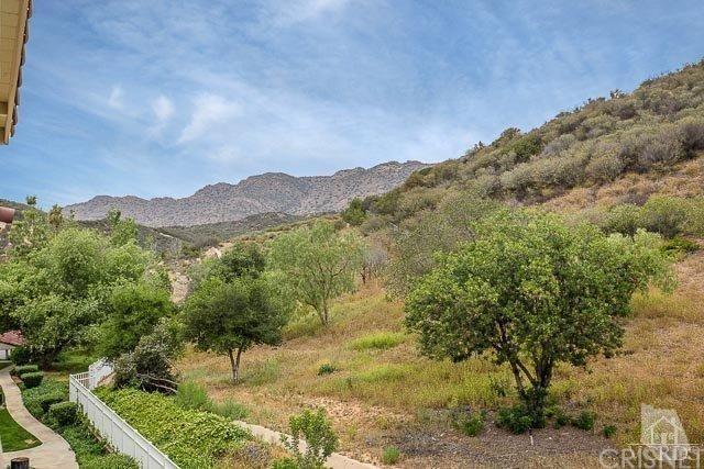 5805 Oak Bend Lane #407, Oak Park, CA 91377 (#SR18133386) :: Lydia Gable Realty Group