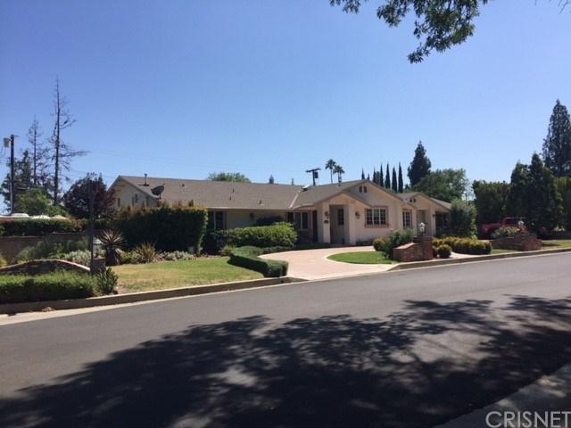 19200 Halsted Street, Northridge, CA 91324 (#SR18167670) :: Lydia Gable Realty Group