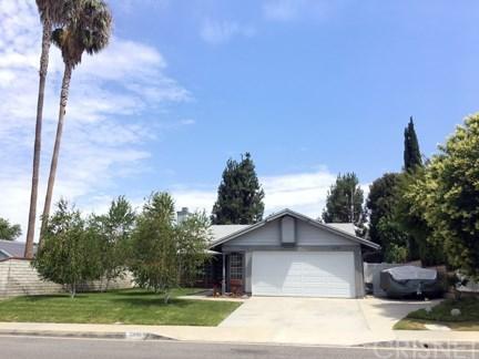 22709 Paragon Drive, Saugus, CA 91350 (#SR18169004) :: Heber's Homes