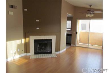 18820 Vista Del Canon E, Newhall, CA 91321 (#SR18171513) :: Heber's Homes