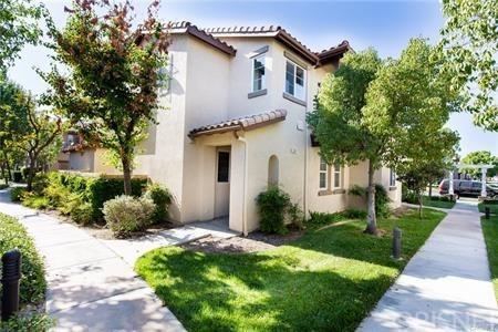 27442 Acacia Drive, Valencia, CA 91354 (#SR18174079) :: Paris and Connor MacIvor