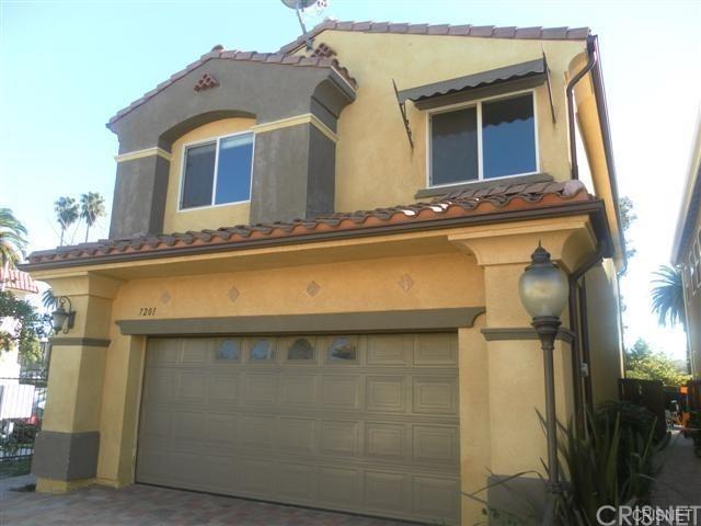 7201 Zelzah Avenue, Reseda, CA 91335 (#SR18175886) :: TruLine Realty