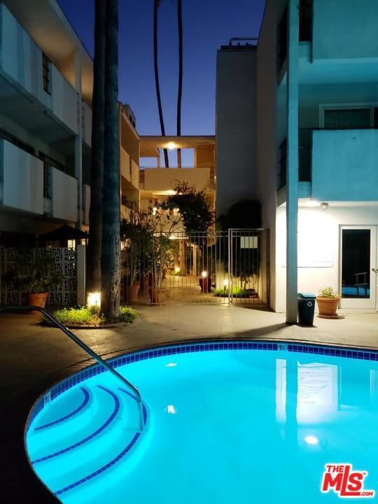 4445 Cartwright Avenue #314, Toluca Lake, CA 91602 (#18376742) :: Golden Palm Properties