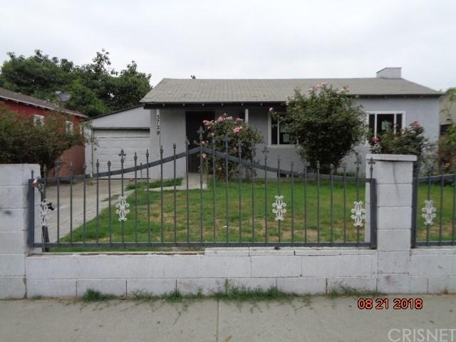 3729 E Bennett Street, Compton, CA 90221 (#SR18229971) :: Paris and Connor MacIvor