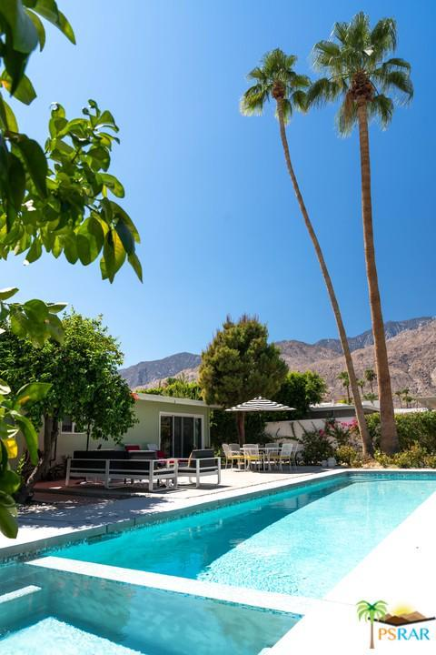 1354 E San Lucas Road, Palm Springs, CA 92264 (#18397176PS) :: Fred Howard Real Estate Team