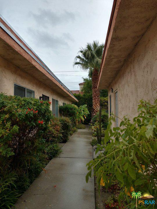 950 E Chuckwalla Road #4, Palm Springs, CA 92262 (#18414490PS) :: The Real Estate Offices of Talbot and Watson