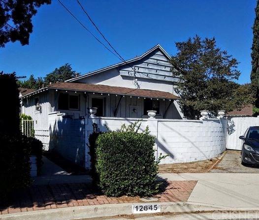 12645 Morrison Street, Valley Village, CA 91607 (#SR18291358) :: Paris and Connor MacIvor