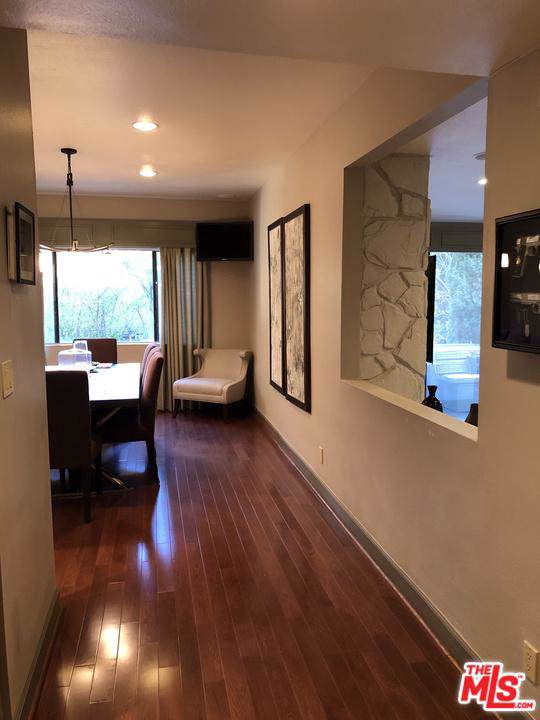 1550 Greenfield Avenue #104, Los Angeles (City), CA 90025 (#19529512) :: The Pratt Group