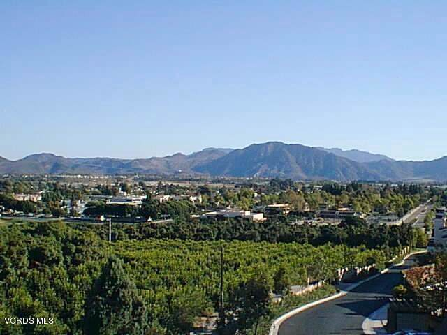 2803 Antonio Drive #204, Camarillo, CA 93010 (#219013707) :: Lydia Gable Realty Group