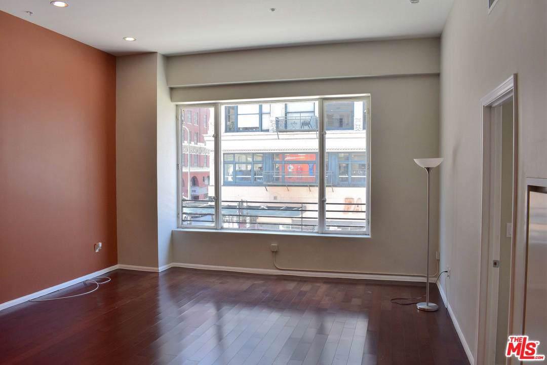 215 5TH Street - Photo 1