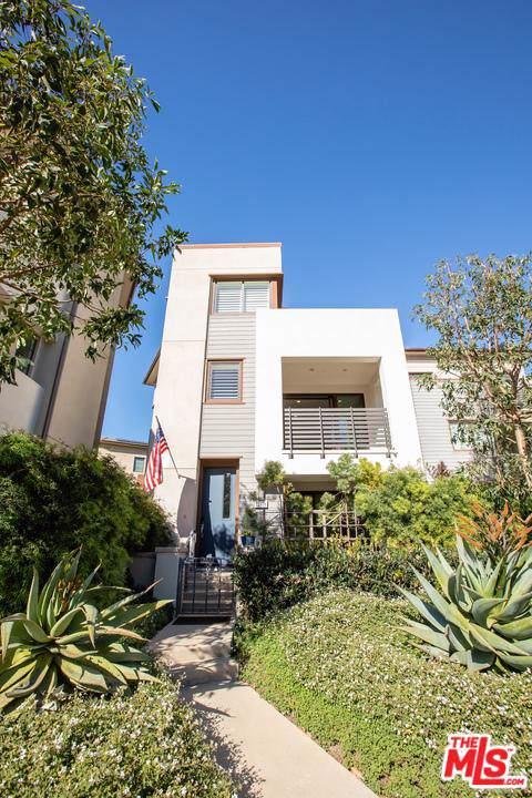 12808 S Seaglass Circle, Playa Vista, CA 90094 (MLS #20543372) :: The Jelmberg Team
