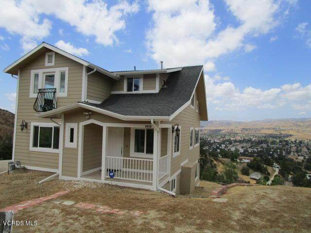 1010 Crown Hill Drive, Simi Valley, CA 93063 (#220002304) :: The Pratt Group