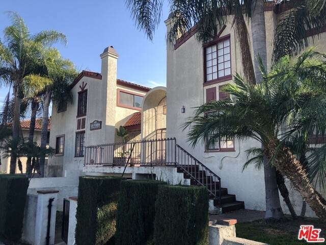 1450 W 146TH St #12, Gardena, CA 90247 (MLS #19-433786) :: Zwemmer Realty Group