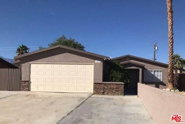 13695 West Dr, Desert Hot Springs, CA 92240 (MLS #19-485406) :: The John Jay Group - Bennion Deville Homes