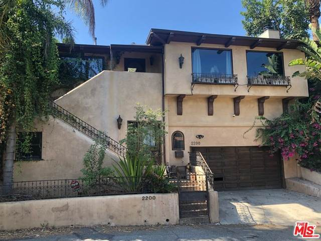 2200 Hollyridge Dr, Los Angeles, CA 90068 (#19-518116) :: TruLine Realty