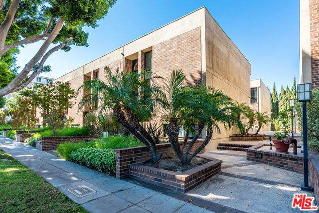 9319 Burton Way B, Beverly Hills, CA 90210 (#20-540178) :: Randy Plaice and Associates