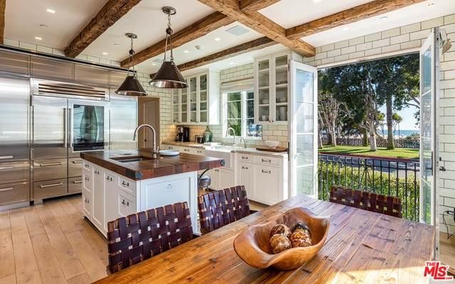 127 Hollister Ave, Santa Monica, CA 90405 (MLS #20-542508) :: Mark Wise   Bennion Deville Homes