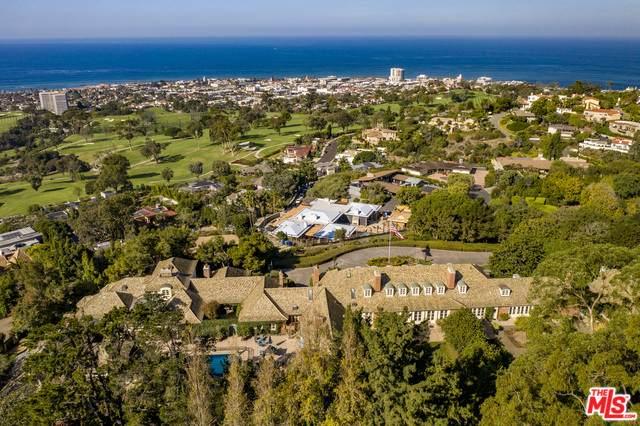 7007 Country Club Dr, La Jolla, CA 92037 (#20-543250) :: Randy Plaice and Associates