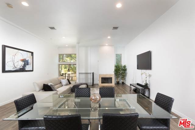 11444 Moorpark St #104, Studio City, CA 91602 (MLS #20-547780) :: Hacienda Agency Inc