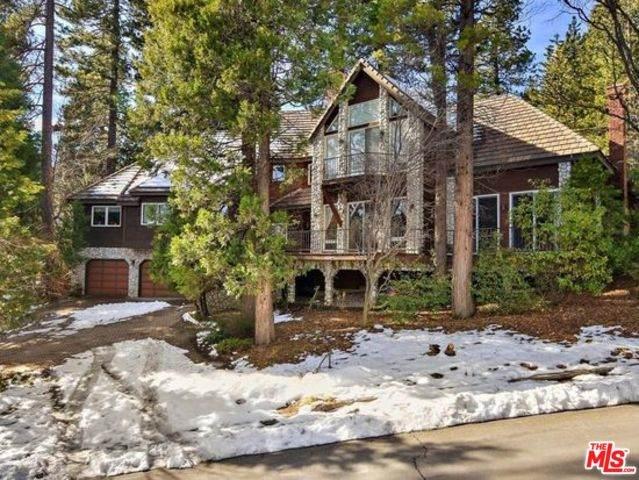 160 Shorewood Dr, Lake Arrowhead, CA 92352 (#20-555976) :: The Pratt Group