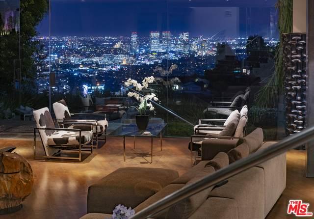 1778 Viewmont Dr, Los Angeles, CA 90069 (MLS #20-556536) :: Mark Wise   Bennion Deville Homes