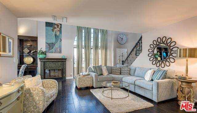3910 Moore St #202, Los Angeles, CA 90066 (MLS #20-556970) :: The John Jay Group - Bennion Deville Homes