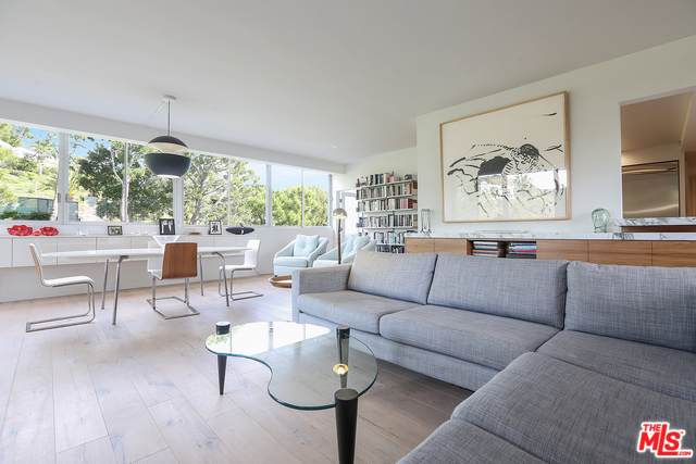 17352 W Sunset #301, Pacific Palisades, CA 90272 (#20-560416) :: TruLine Realty