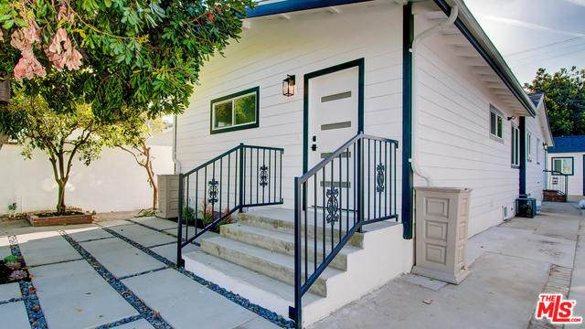 6567 5TH Ave, Los Angeles, CA 90043 (#20-561484) :: Pacific Playa Realty