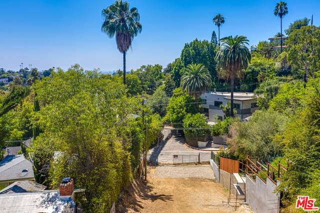 2599 Dearborn Dr, Los Angeles, CA 90068 (MLS #20-564092) :: Hacienda Agency Inc