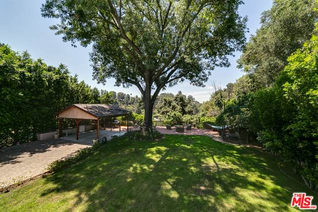 2763 Roscomare Rd, Los Angeles, CA 90077 (MLS #20-566296) :: Hacienda Agency Inc