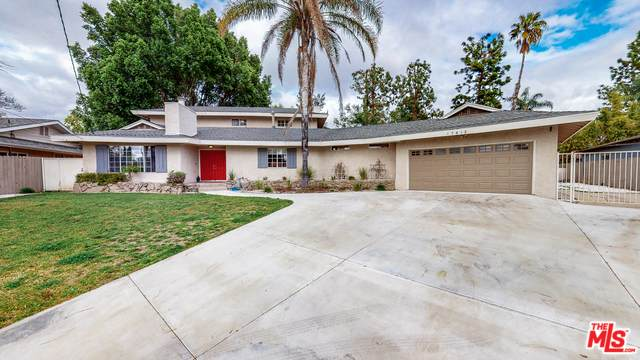 17813 Malden St, Northridge, CA 91325 (#20-573288) :: The Pratt Group