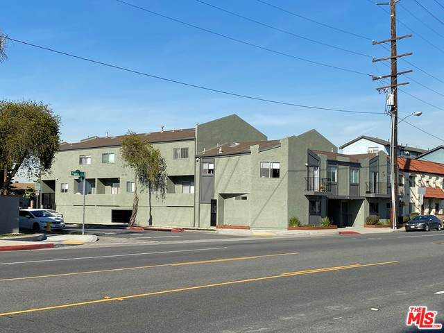 15927 Prairie Ave, Lawndale, CA 90260 (#20-574854) :: Randy Plaice and Associates