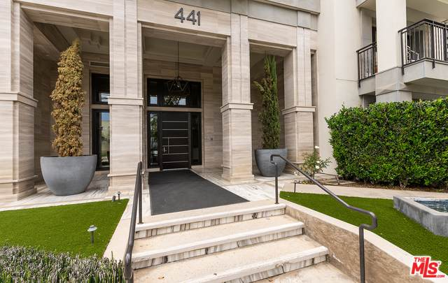 441 S Barrington Ave #311, Los Angeles, CA 90049 (#20-575390) :: The Pratt Group