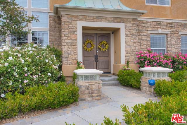 12410 Longacre Ave, Granada Hills, CA 91344 (#20-576146) :: The Pratt Group