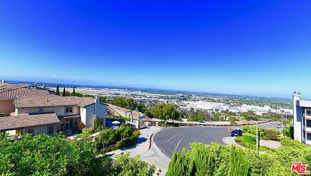 2551 Hillcrest St, Signal Hill, CA 90755 (#20-576624) :: HomeBased Realty