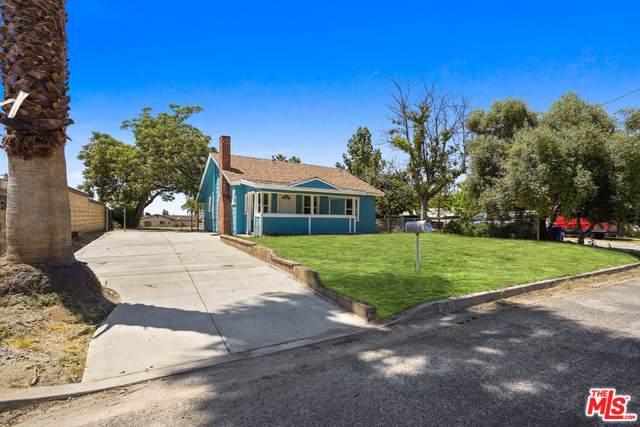 1351 Chrysolite Ave, Mentone, CA 92359 (#20-577112) :: The Pratt Group