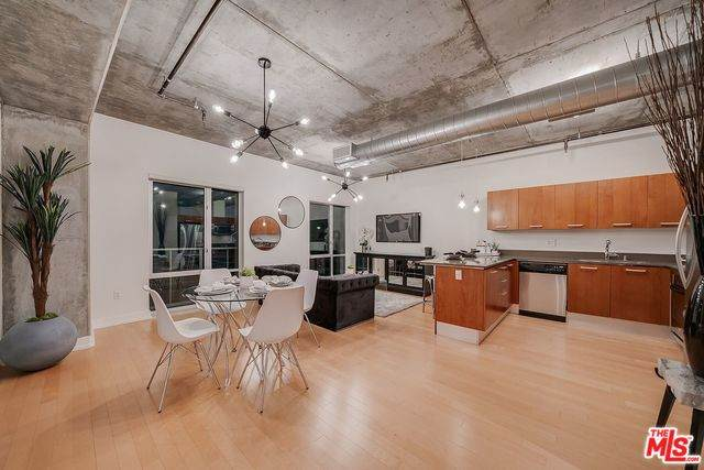 645 W 9TH St #644, Los Angeles, CA 90015 (#20-577148) :: TruLine Realty