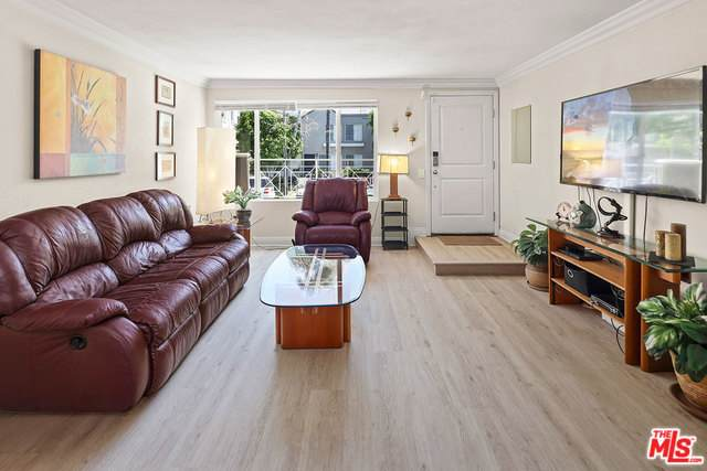 355 N Maple St #101, Burbank, CA 91505 (#20-577822) :: The Pratt Group