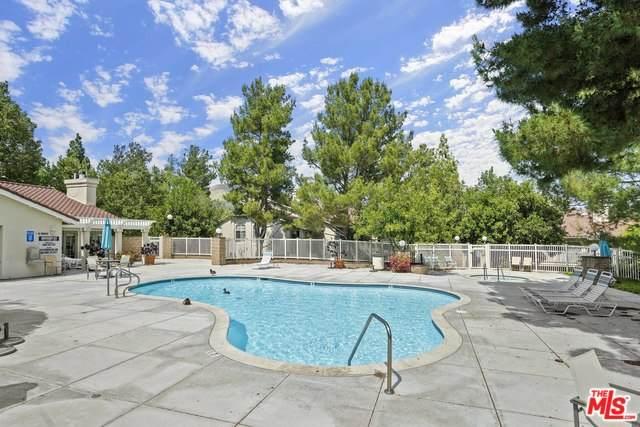 528 Water Oak Ln B, Oak Park, CA 91377 (#20-578306) :: Randy Plaice and Associates