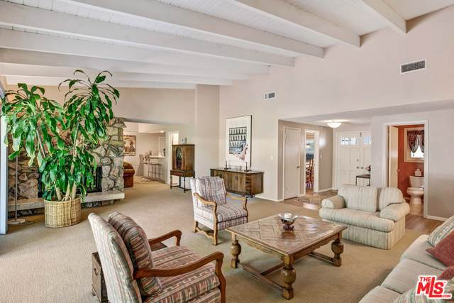 4406 Jubilo Dr, Tarzana, CA 91356 (#20-578672) :: Randy Plaice and Associates