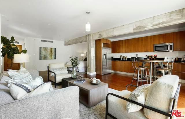 416 S Spring St #807, Los Angeles, CA 90013 (#20-580040) :: The Pratt Group