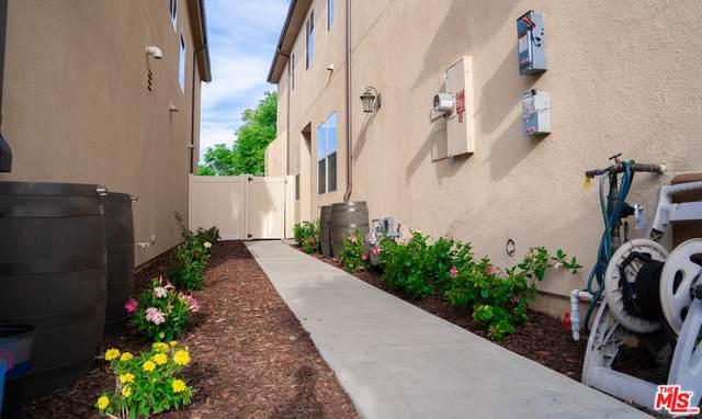 7932 N Keer Dr, Reseda, CA 91335 (#20-580074) :: Berkshire Hathaway HomeServices California Properties