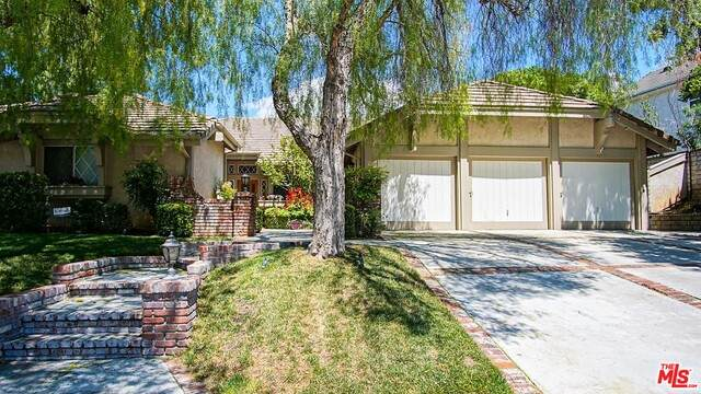 26296 Park View Rd, Valencia, CA 91355 (#20-580316) :: HomeBased Realty