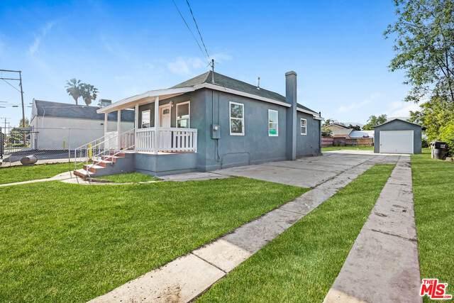 1024 W 8TH St, San Bernardino, CA 92411 (#20-580760) :: The Pratt Group