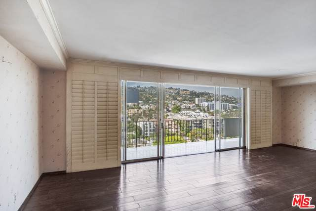 818 N Doheny Dr #1201, Los Angeles, CA 90069 (#20-582882) :: TruLine Realty