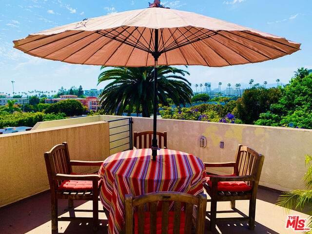 2222 6TH St B, Santa Monica, CA 90405 (#20-583546) :: The Pratt Group