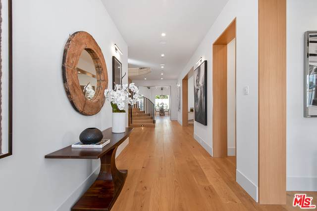 4117 Nagle Ave, Sherman Oaks, CA 91423 (#20-583992) :: Lydia Gable Realty Group