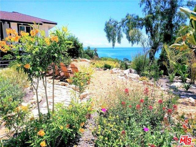 1 Limetree Ln, Rancho Palos Verdes, CA 90275 (MLS #20-584646) :: The Sandi Phillips Team