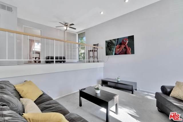 9000 Vanalden Ave #101, Northridge, CA 91324 (#20-584914) :: Randy Plaice and Associates